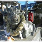 牛の像のある天神様